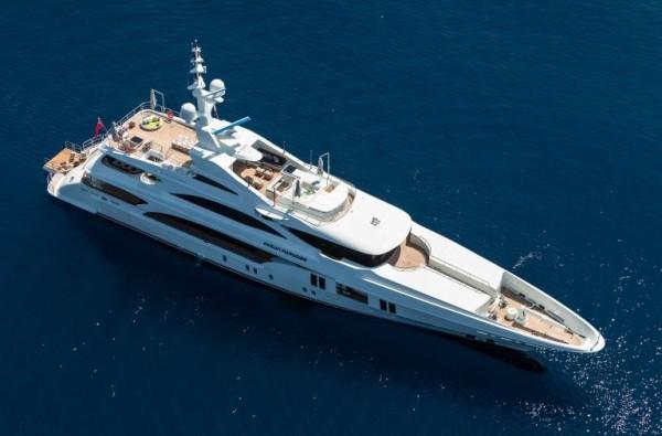 Ocean-Paradise-yacht-600x395