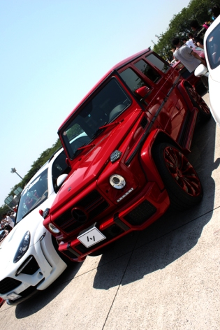candy red mercedes g wagon
